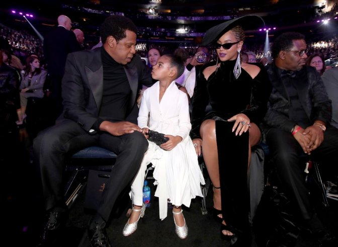 #Grammys: #BlueIvy wasn't too THRILLED with all the APPLAUSE! [vid]