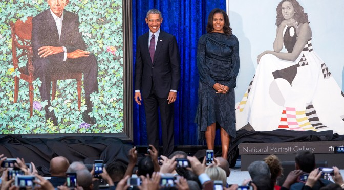 #TheObamas UNVEIL their OFFICIAL portraits for the #Smithsonian! [vid]