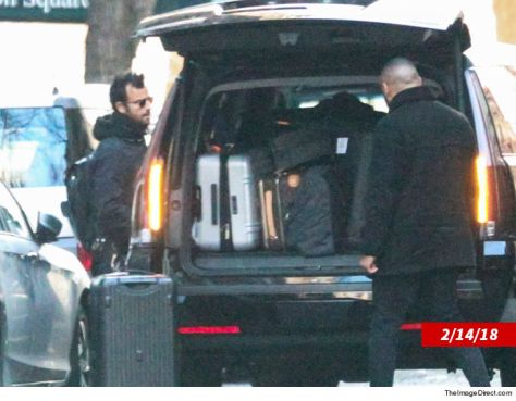 justin-theroux-packed-thegamutt