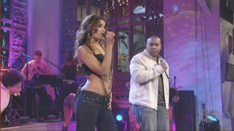nelly-furtado-promiscuous-live-snl-20-05-20061