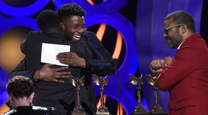 #JordanPeele wins #SpiritAward for Best Feature for#GetOut presented by #ChadwickBoseman! [pics]