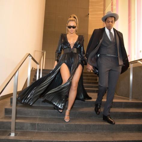 A-Couple-that-Slays-Together-Beyonce-and-Jay-Z-Steal-the-show-at-Roc-Nation-Pre-Grammys-Brunch-1-600x600