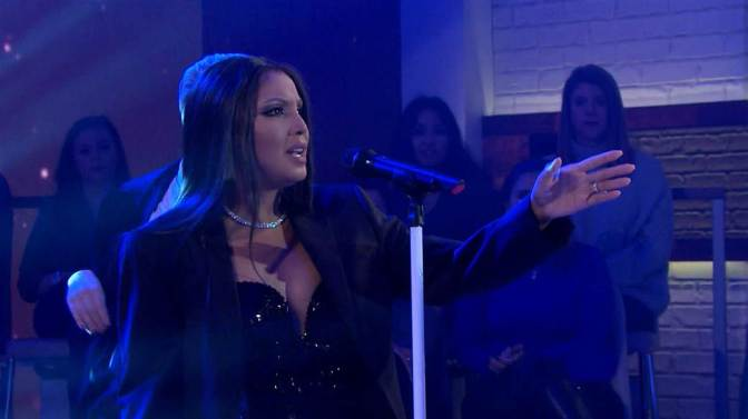 #ToniBraxton performs 'Long As I Live' on #MegynKelly! [vid]