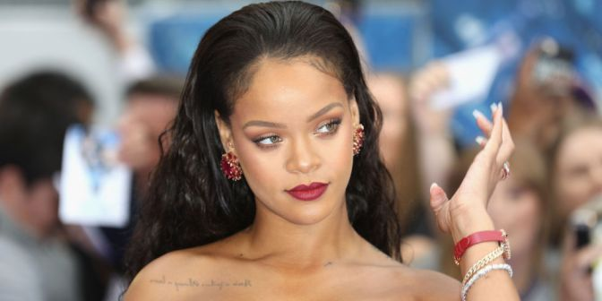 STAR TRACKS: #Rihanna JAMMIN to Rihanna is everything we NEED! [vid]