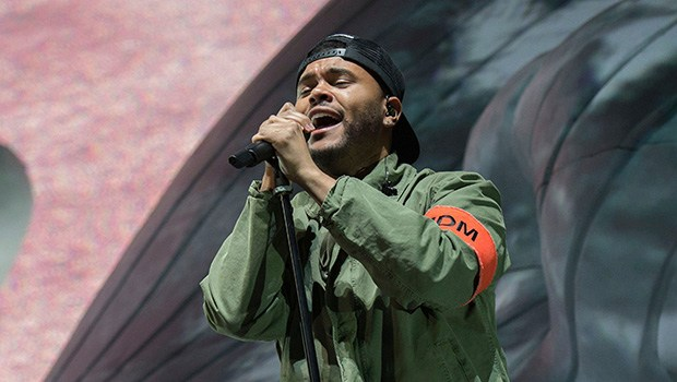 #Coachella highlights! #TheWeeknd fights back tears on 'Call Out My Name'! [vid]