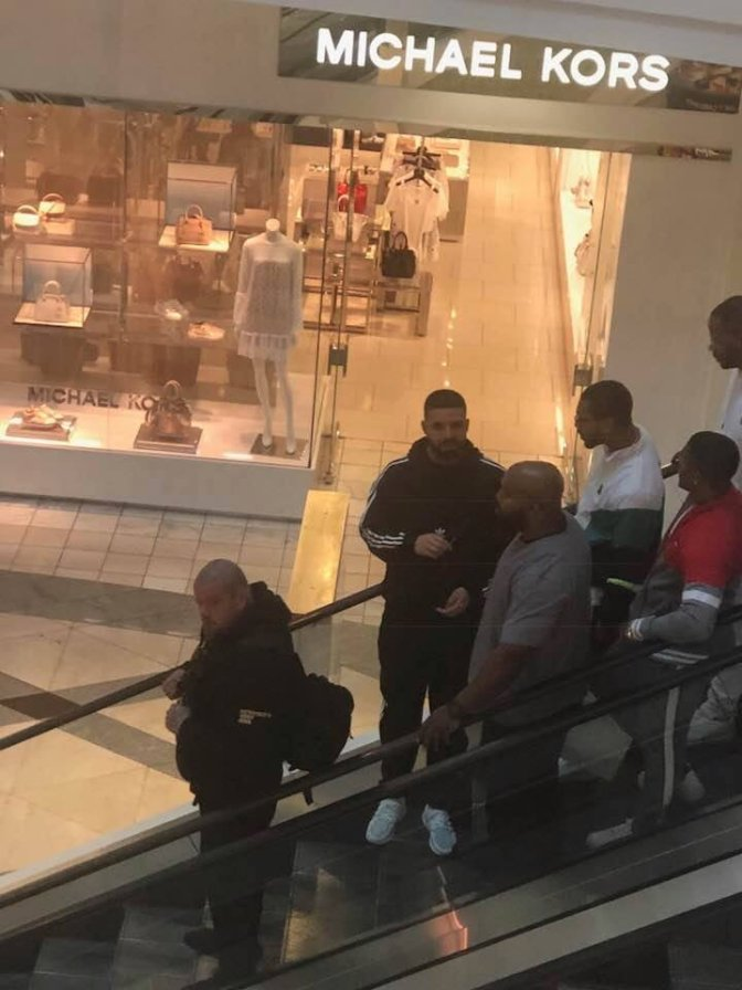 STAR TRACKS: #Drake just walking around #LenoxMall Atlanta like he not Drake! [vid]