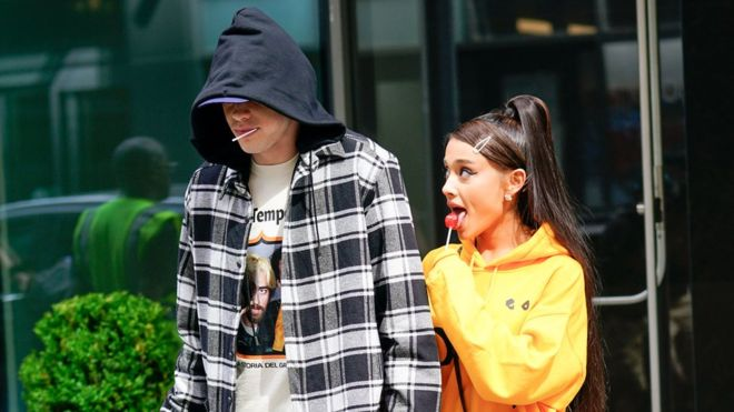 Tweet/DELETE! #ArianaGrande TWEETS about beau #PeteDavidson's PENIS and it's SHOCKING! [details]