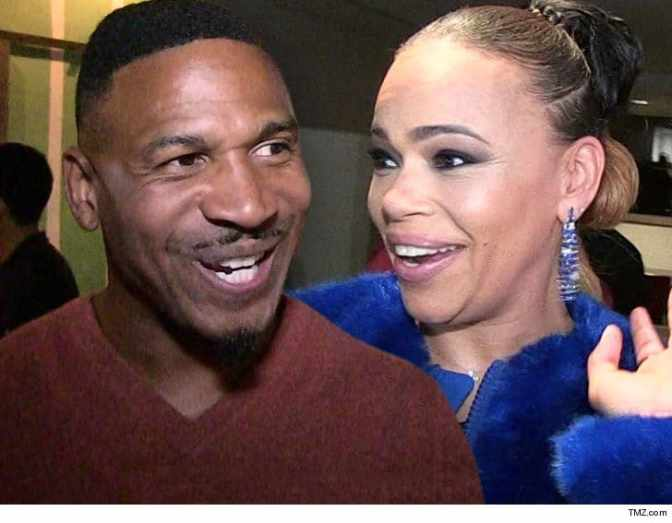 Put A Ring On It! #FaithEvans & #StevieJ do a QUICKIE Vegas WEDDING in their hotel room! Joseline responds! [details]