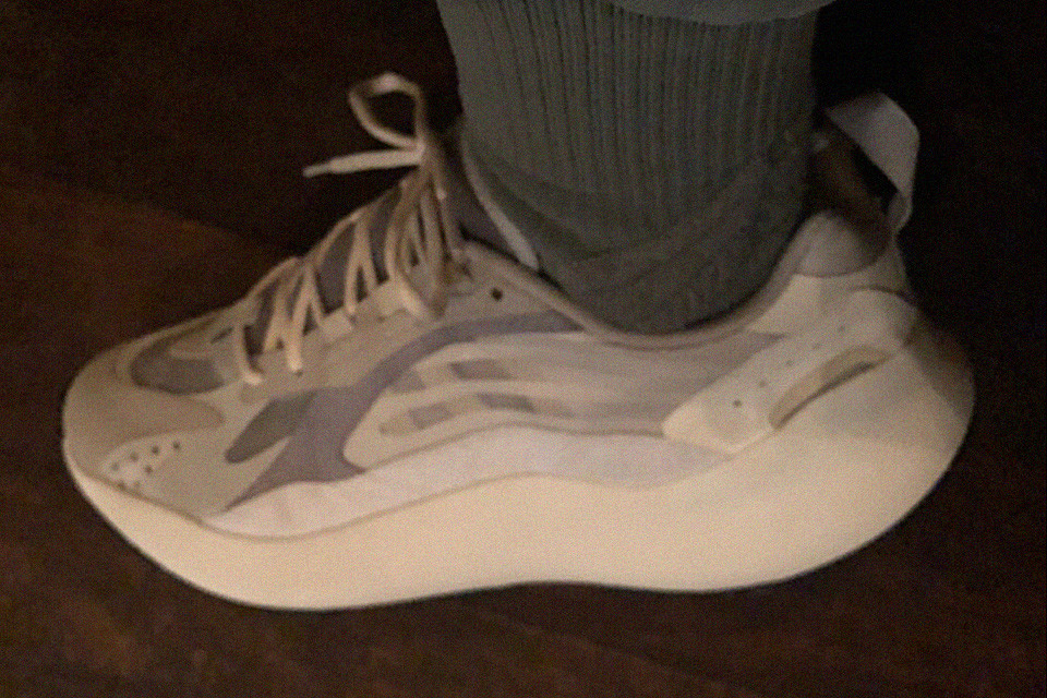 kanye-west-yeezy-boost-700-v3-first-look-TheGamutt