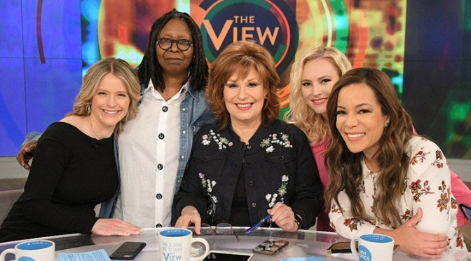 GUESS WHO? #TheView gets a NEW co-host for season 22! [details]