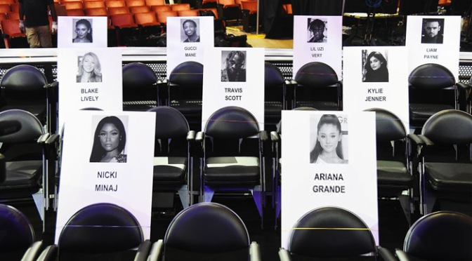 #VMAS 2018: Musical chairs? #TravisScott moves his seat AWAY from #NickiMinaj! [details]