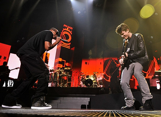 WAKE UP JAM: #JayZ 'D.O.A.' feat #JohnMayer [Live]