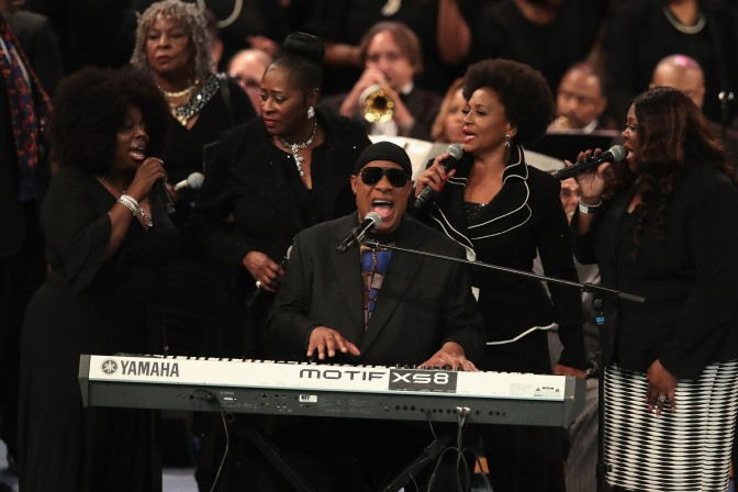 #ArethaHomegoing: #StevieWonder CLOSES OUT the ceremony with an emotional TRIBUTE! [vid]