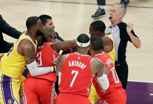 #Lakers & #Rockets come to BLOWS in game BRAWL! [vid]