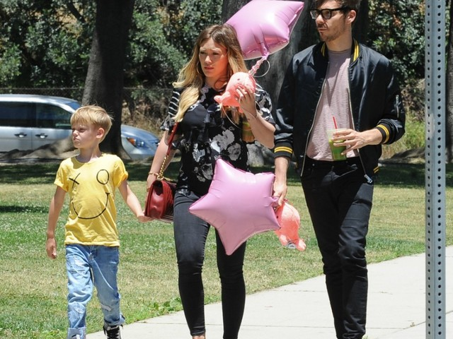 It's A Girl!  #HillaryDuff GIVES BIRTH! [details]