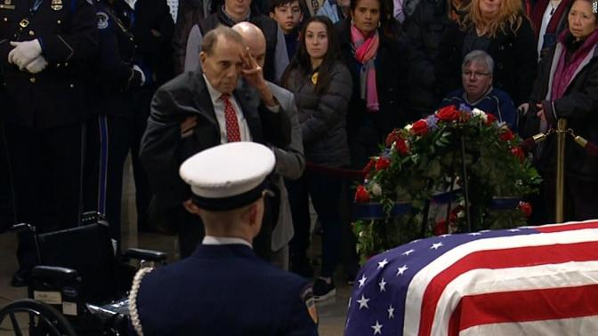 #BobDole (95) STANDS from his wheelchair to SALUTE former President #GeorgeHWBush! [vid]