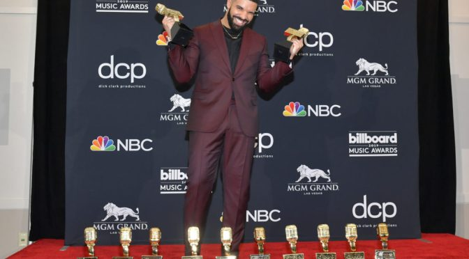 #BBMAs: #Drake makes history  snagging 12 awards! Most BILLBOARD AWARDS of all time![details]