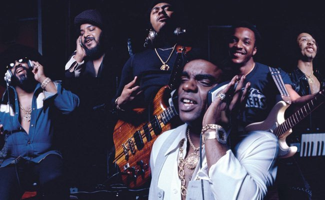 VIBES from the VAULT: #TheIsleyBrothers 'Voyage to Atlantis/SummerBreeze' [Live]