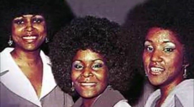 12 JAMS of Christmas: #TheEmotions 'What Do The Lonely Do at Christmas' [audio]