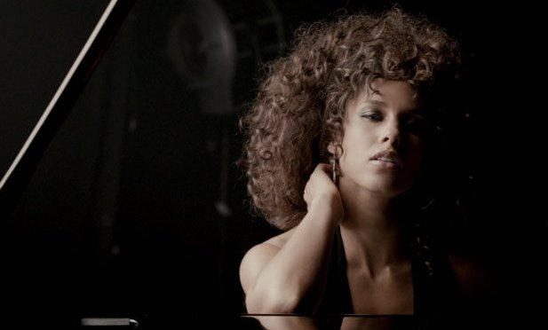 WAKE UP JAM: #AliciaKeys 'Brand New Me' [Vid]