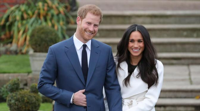 #PrinceHarry & #MeghanMarkle announce they will STEP DOWN as Senior Members of #TheRoyalFamily! [details]