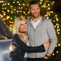 #JulianneHough's Husband #BrooksLaich Taking 'Journey' to 'Explore' His Sexuality!