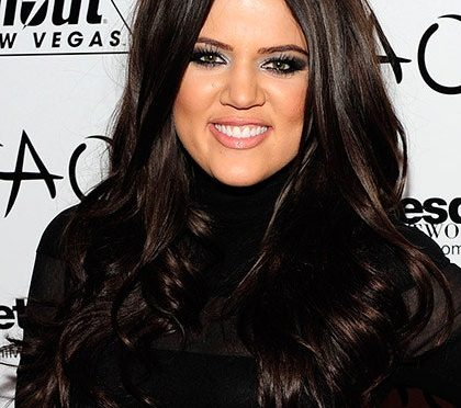 #KhloeKardashian's almost UNRECOGNIZABLE with NEW FACE! [Pics]