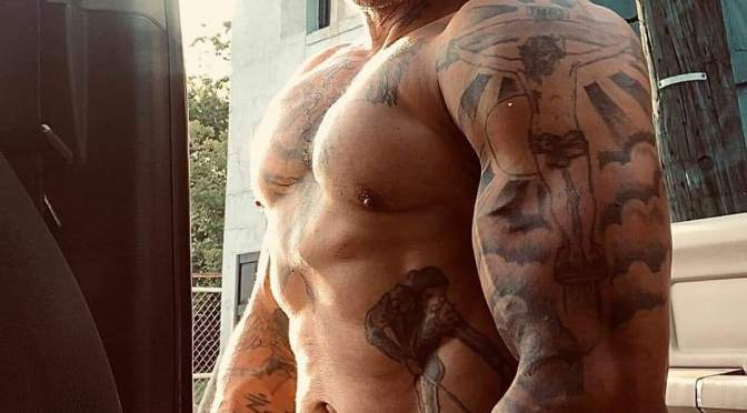 #ThirstTrap: #Benzino SHIRTLESS gym pic PROVES he's been working during #quarantine! [Pic]