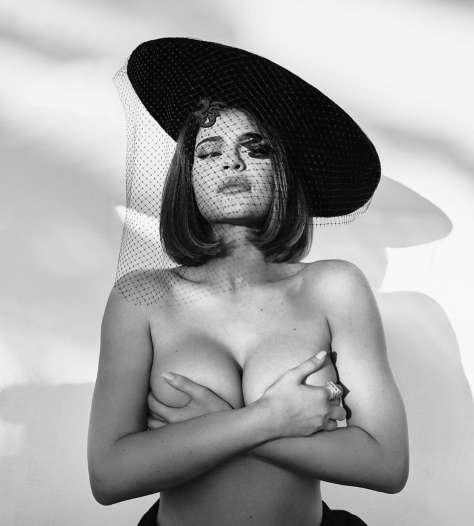 Kylie-topless-TheGamutt.png
