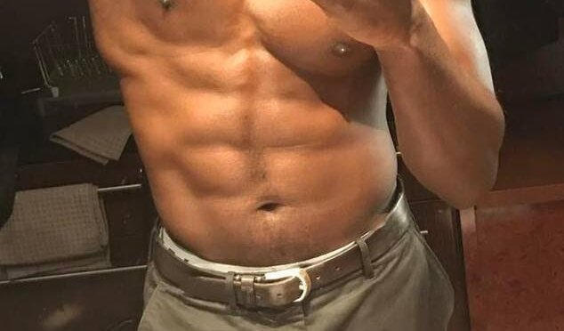 #SterlingKBrown THIRST TRAPPIN to urge fans to VOTE! [PIC]