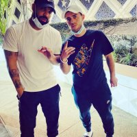STAR TRACKS: #Drake spotted in the Bahamas! [Pic]