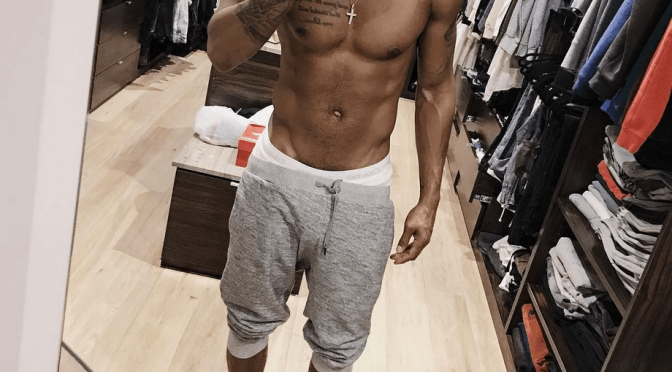 #TreySongz CONTINUES to TEASE his NAKEDNESS on #OnlyFans! [vid]