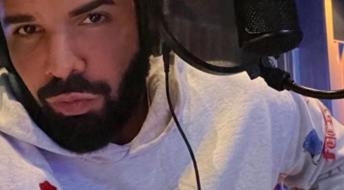 #ThirstTrap: #Drake back in the Studio! [Pic]