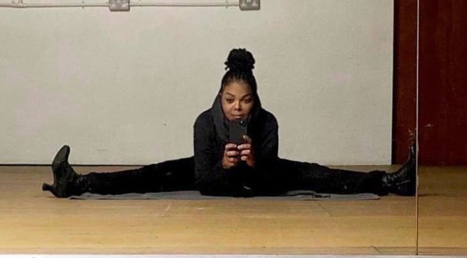 #JanetJackson can still do SPLITS at 54! [pics]