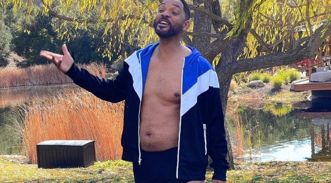 #WillSmith FLAUNTS his 'Dad Bod' and the FANS LOVE it! [pics]