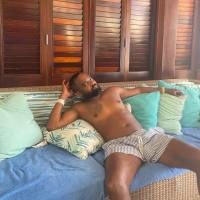 #ThirstTrap: #RHOA's #ToddTucker on VACAY with the FAM! [pics]