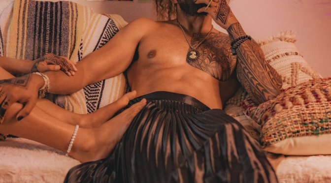 Thirst Trap: #Jidenna showing Abs & feet for the fans! [Pics]