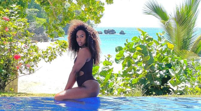 HOT SHOT of the Day: #KellyRowland SIZZLES for Summer! [pic]