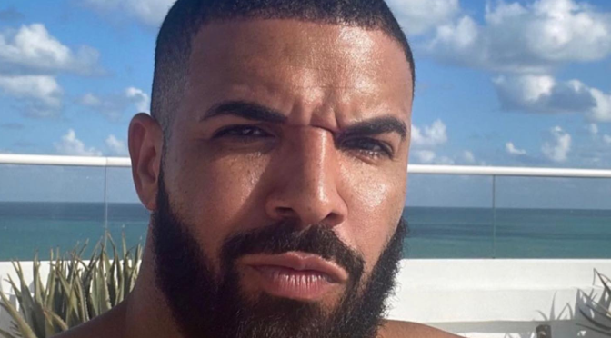 #ThirstTrap: #Drake reminds the fans why he is 'Certified Lover Boy'! [Pics]